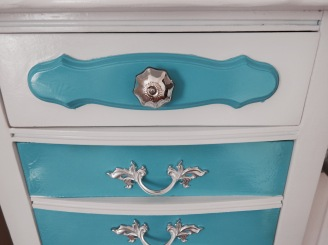 Lingerie Chest with Matching Knob and Silver Handles